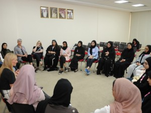 "Bahrain Polytechnic Hosts Think Pink's ""iCheck"" Session"