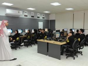 بوليتكنك البحرين تجري اختبار التوجيه المهني لطلبة الثانوية العامة